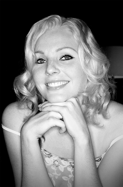 Tony_Ward_Studio_erotic_photography_Dutch_women_model_Dagmar_Amsterdam_bartender_blonde_beauty_nudity_topless_nudes