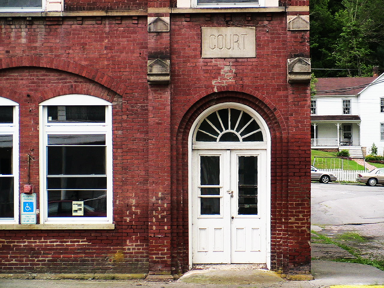 Tony_Ward_Studio_old_court_house_Radford_Virginia