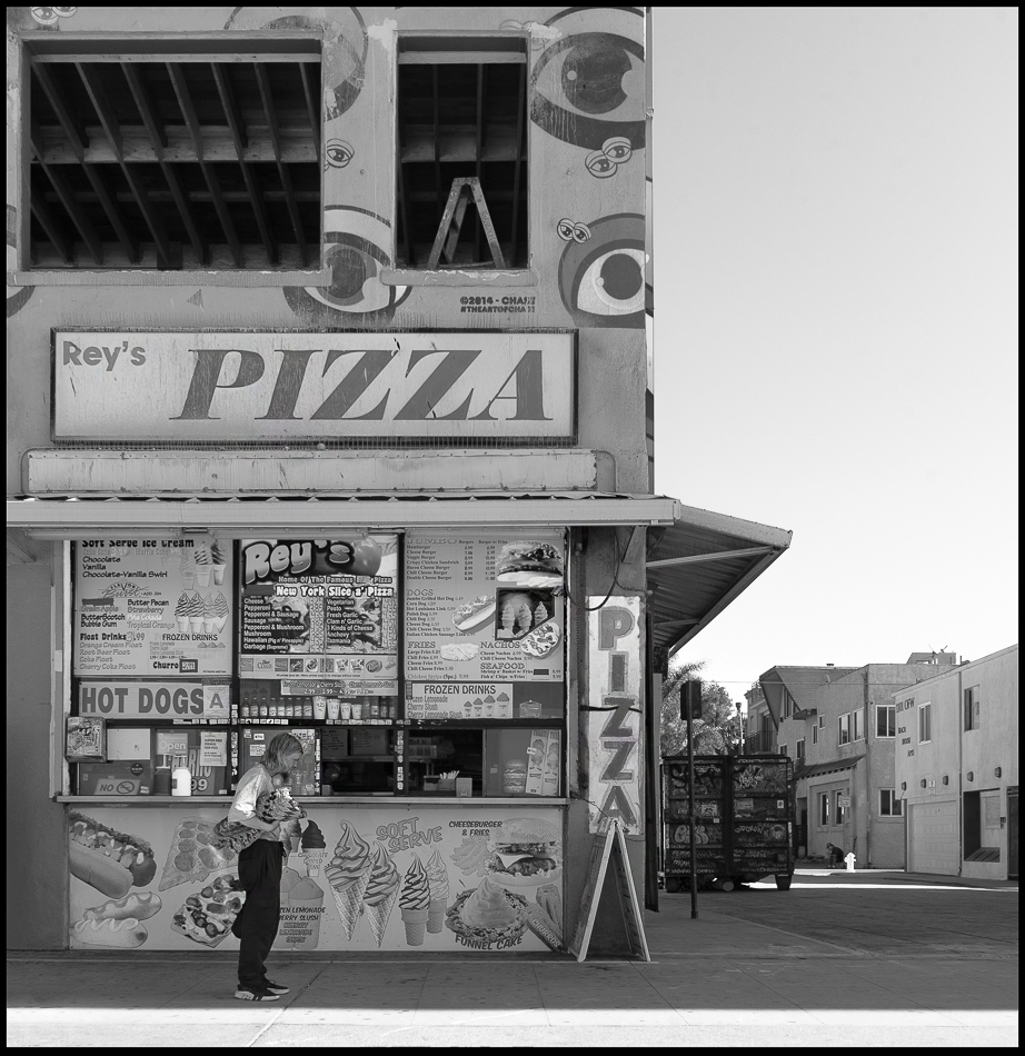 Ed_Simmons_Venice_Beach_Trashed_Tony_Ward_Studio_exclusive_documentary_pizza_parlor