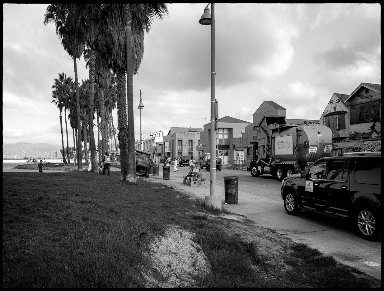 Ed_Simmons_Venice_Beach_Trashed_Tony_Ward_Studio_exclusive_documentary_trash_trucks