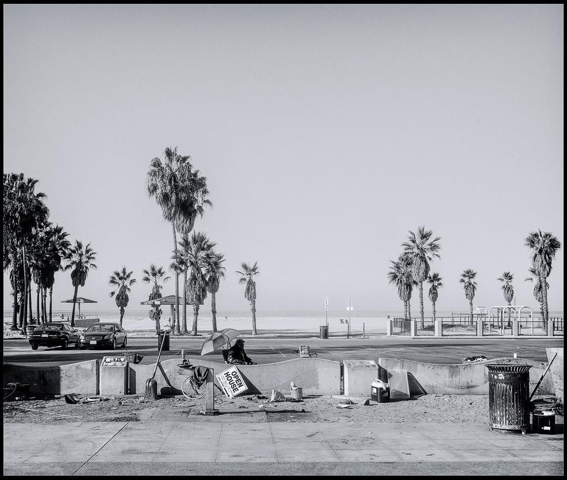 Ed_Simmons_street_art_venice_Beach_California_open_house