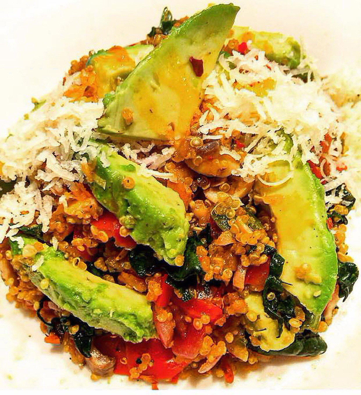 avocado_peppers_tomato_salad_delicious_healthy_foods