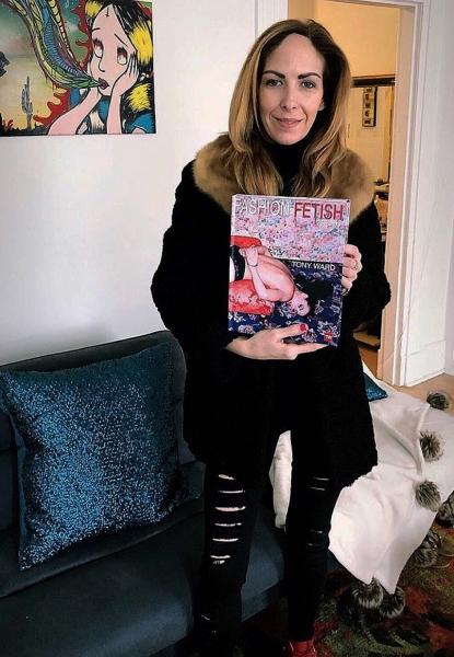 Katie_kerl_2020_dating_tips_erotic_books_Tony_Ward