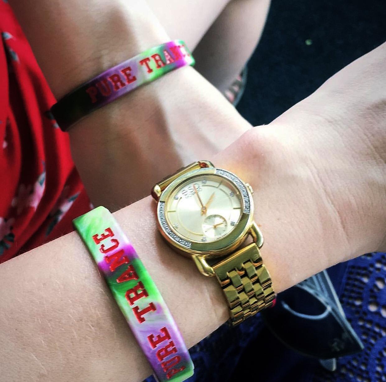 Katie_Kerl_blogger_Miami_trance_nightclub_watch