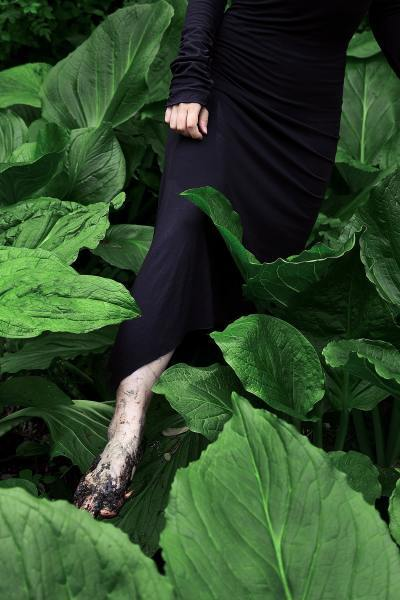 1_Sharon_Wang_Wild_at_Heart_portraits_of_youth_plants_mud-min
